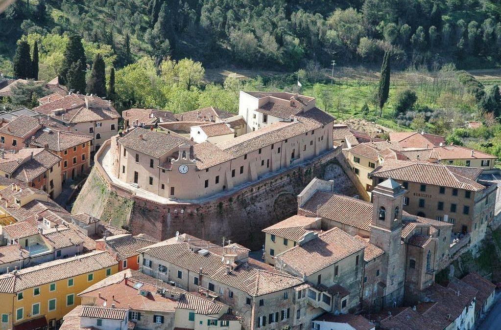 """Al castello dei Vicari, Lari (Pisa) la 1' edizione di """"CollaborAzione Festival"""""""