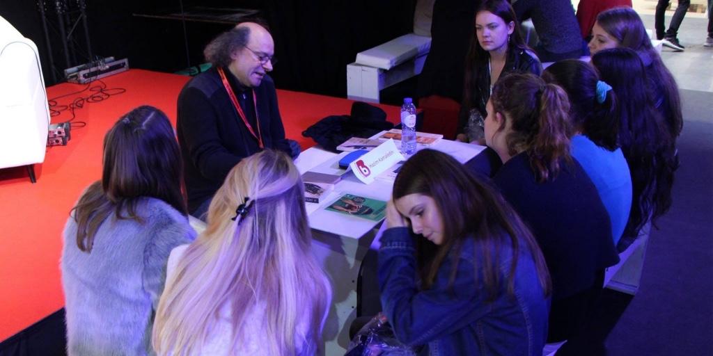 Lo scrittore e regista teatrale iracheno alla fiera del libro ad Anversa