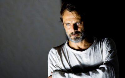«رائحة الأبيض الصاخبة » تلف حياة ڤينسينت ڤان كوخ على خشبة مسرح «لا پيرغولا » الفلورنسي