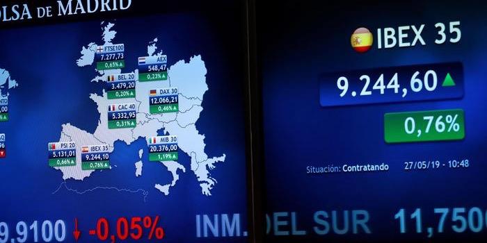 بورصة ميلانو تفتتح تعاملاتها على انخفاض، والبورصات الأوروبية الأساسيّة تُسجّل ثباتاً نسبيّاً
