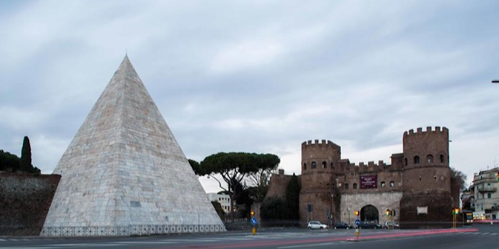La Piramide Cestia apre le porte online il primo maggio