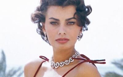 (العربية) النسخة العربية لمذكرات النجمة الإيطالية صوفيا لورين تصدر عن دار المدى العراقية