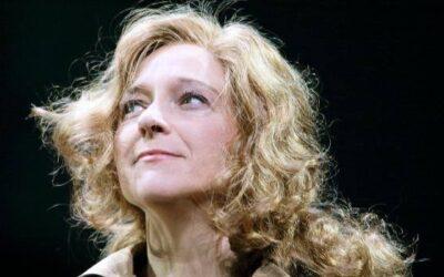 """الممثلة المسرحيّة الإيطاليّة إيلزابيتّا پوتسي: """" المسرح لن يركع أمام الكورونا فيروس"""
