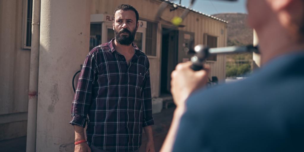علي سليمان يفوز بجائزة أفضل ممثل بمهرجان أنطاليا عن فيلم 200 متر