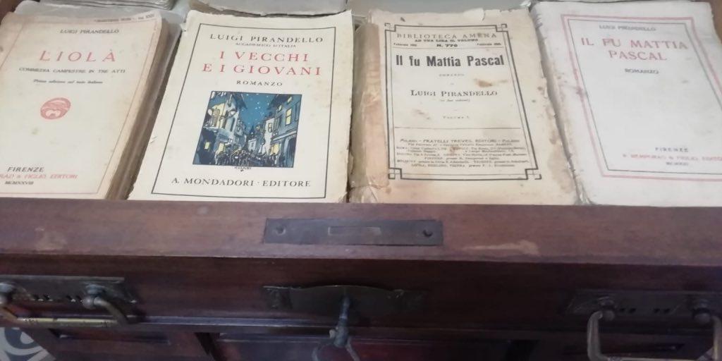 (Italiano) Aperta la casa di Leonardo Sciascia a Racalmuto per iniziativa di Pippo Di Falco