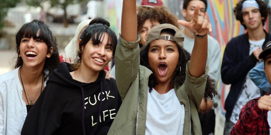 """هل سيفوز شباب كازابلانكا بسعفة كان الذهبية بعد غنائهم """"بأعلى الصوت"""" في فيلم نبيل عيّوش الجديد"""